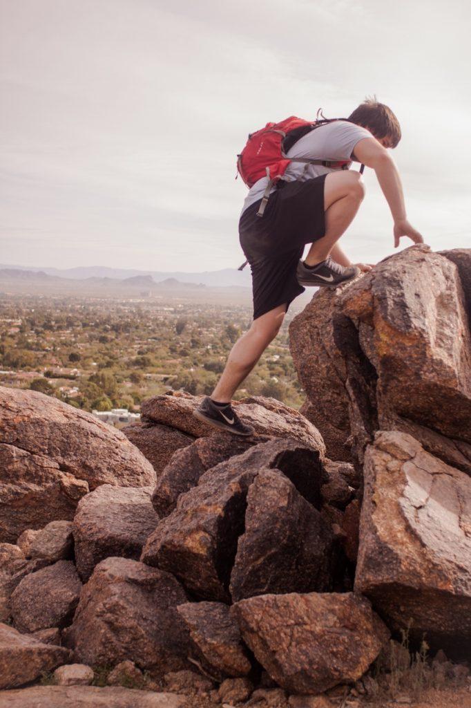 climbing-guy-climbing-rock (853x1280)