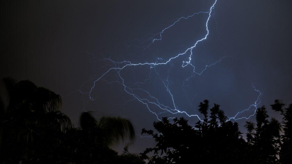 storm-lighting (1280x717)