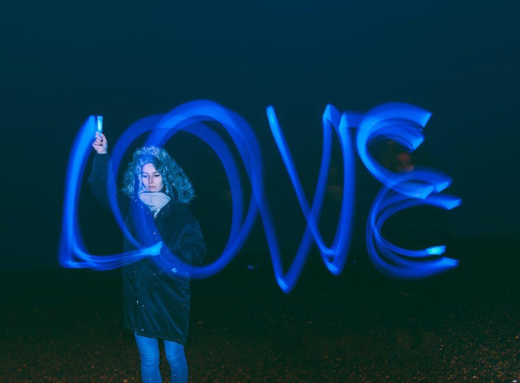 Love-writing (1280x942)