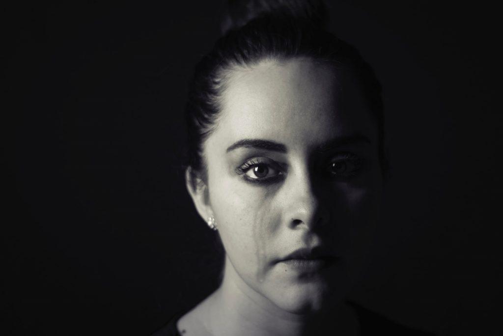 woman-crying-tears (1280x855)