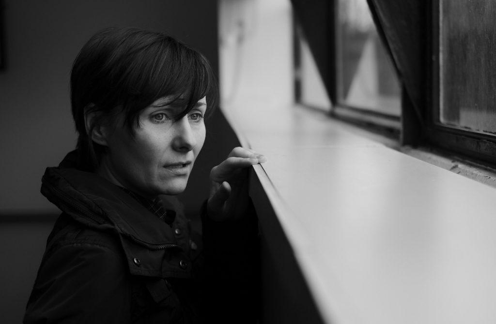 woman-sad-by-window (1280x838)