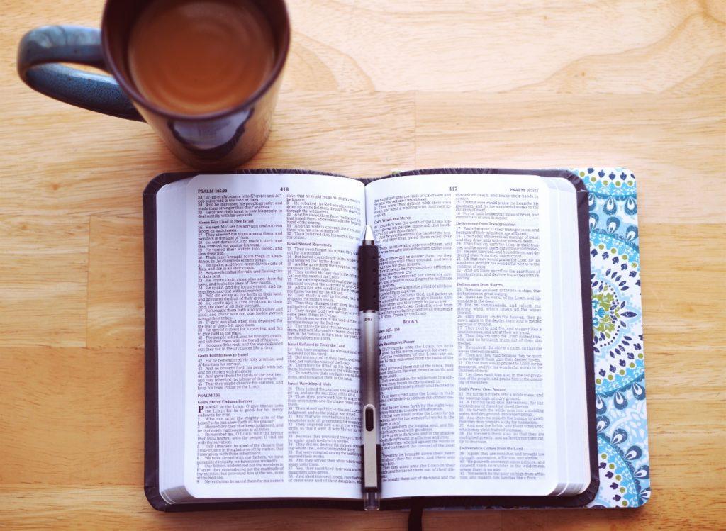 Bible-coffee-mug (1280x936)