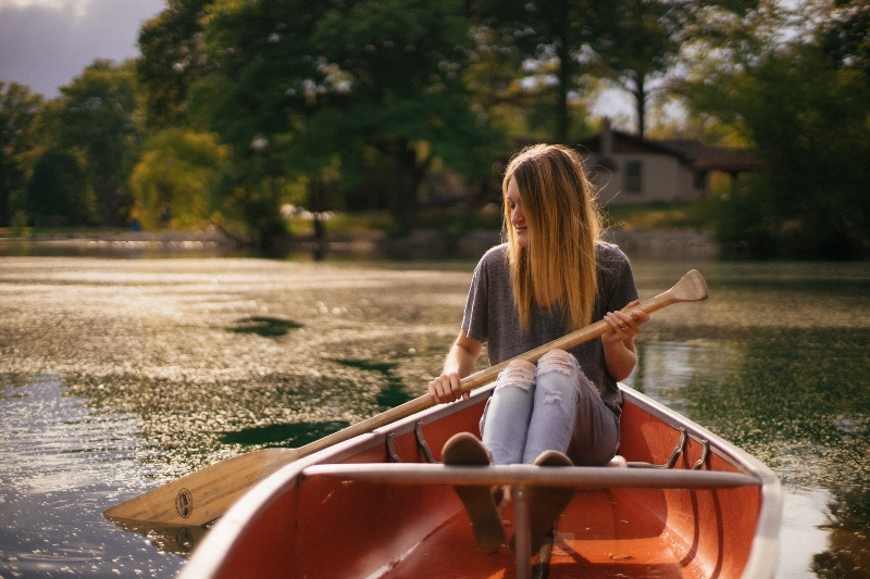 woman-sitting-in-boat (800x533)