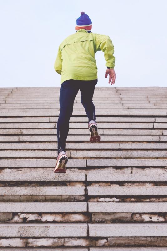 man-running-up-stairs (534x800)